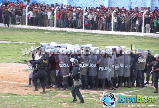 Policías chotanos disparan a los hinchas cutervinos