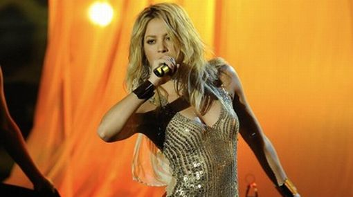 """Colombian singer Shakira performs during the German game show """"Wetten Dass"""" (Bet it...?) in Salzburg"""