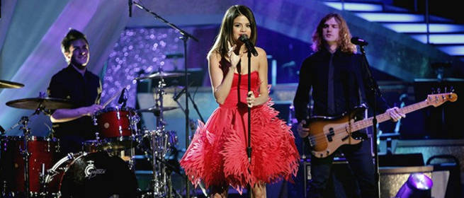 Selena gomez deslumbra en dancing with the stars - Ballas de obra ...