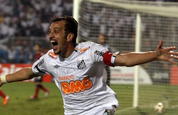 Dracena of Santos celebrates after scoring against Cerro Porteno during their Copa Libertadores in Sao Paulo