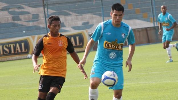 Rengifo marcó 4 tantos en un amistoso con Cristal