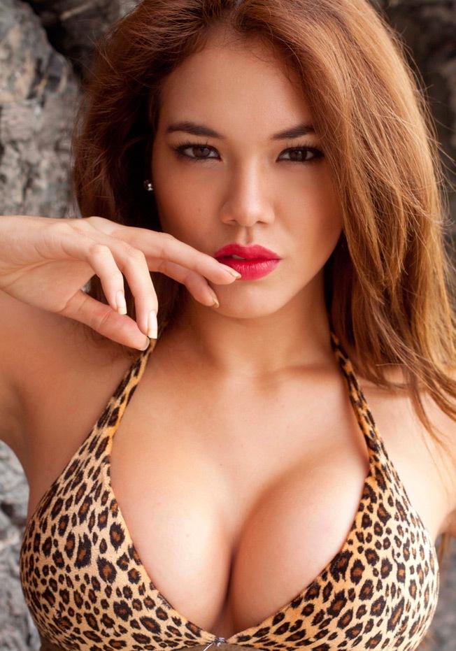 Jazmín Pinedo sexy en Bikini (5)