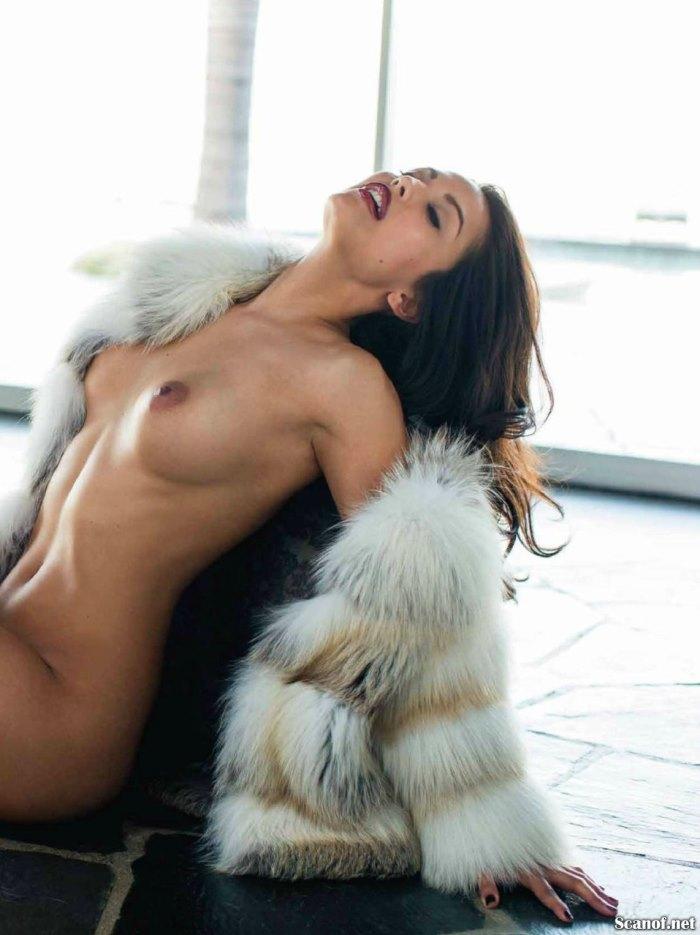 Raquel-Pomplun-Playboy-Agosto-2013-10