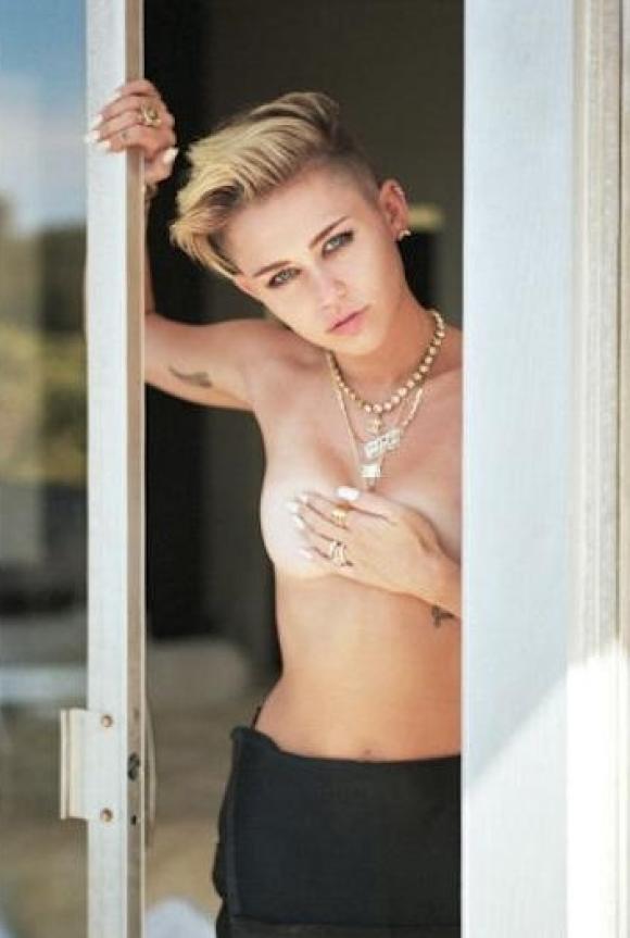 Miley Cyrus no deja de hacer polémica y ahora volvió a sorprender